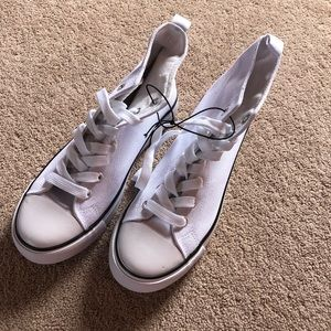 Shoes - NWT high top platform sneakers